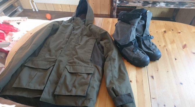 VENDU – 6 paires de surchaussures Neos Navigator et de 6 vestes grand froid à vendre